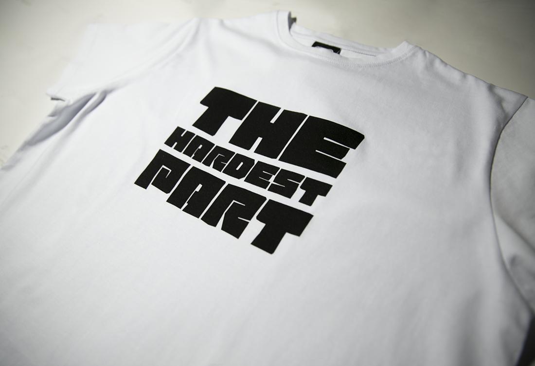 принт на белой футболке THE HARDEST PART