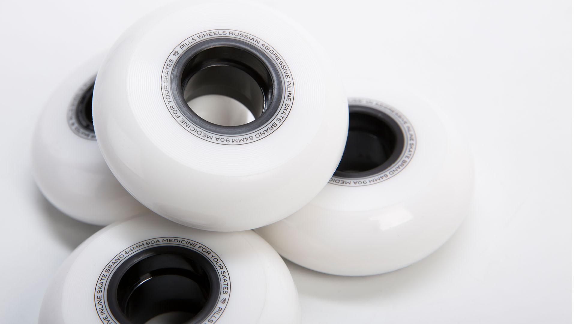 обратная сторона белых колес 64 мм
