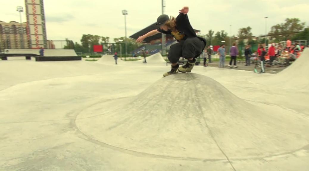 Дима Макрушин cess slide в бетонном скейтпарке